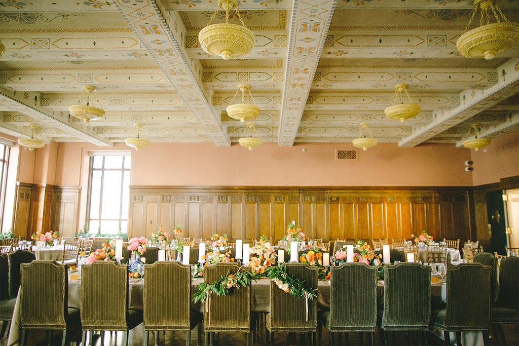 Long wedding head table at The Venue at 400 North Ervay courtroom reception